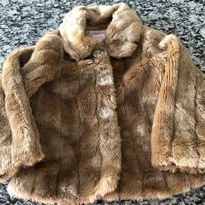 Girls Old Navy Faux Fur Coat